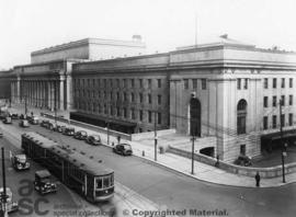 Union station and rail line