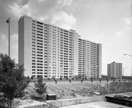 Apartment building : Don Mills and 401