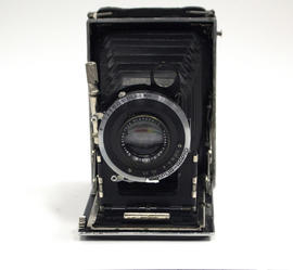 Bentzin Primar folding camera