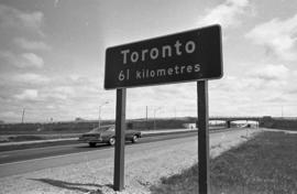 New kilometer mileage signs