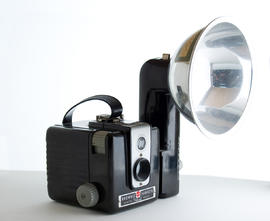 Brownie Hawkeye flash model