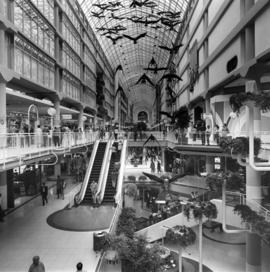 Toronto Eaton shoping center